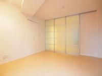 洋室とDKを仕切るガラス戸