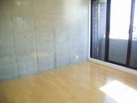 洋室 コンクリート壁