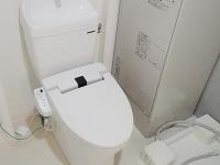 温水洗浄便座付トイレ、洗濯機置場、脱衣所