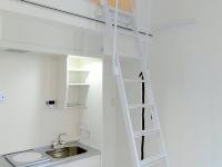 キッチン.洗濯機置場、ロフト梯子