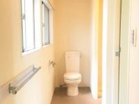 窓付きトイレ兼脱衣所