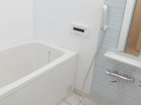 浴室乾燥機付き。追い焚き付