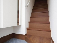 玄関(1階) ShoesBox 専用階段