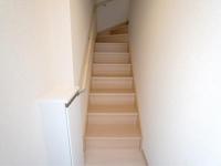 玄関から見た階段