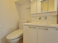 温水洗浄便座付トイレ、独立洗面