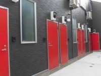 外観 赤い玄関ドア