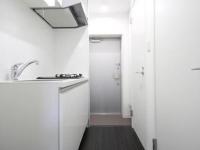 Kitchenと玄関