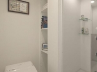 温水洗浄便座付トイレ&シャワールーム