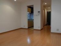 洋室からのキッチン&玄関