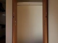 洋室にあるCloset