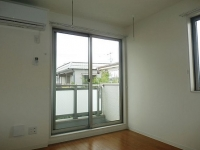 LDKのエアコン、バルコニー、窓