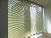 東向き窓 カーテン使用時