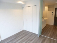 Bed Room_Walk in Closet