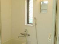 小窓あり浴室