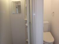シャワールーム、トイレ