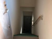 1階玄関&階段(201号室と共用)