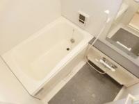 追い焚き付。浴室乾燥機付バスルーム