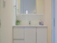 3面鏡付き独立洗面台