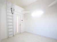 ロフト梯子&Kitchen側ドア